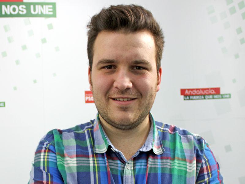 """El PSOE de Bailén lamenta el """"infantilismo"""" del alcalde y le pide otra pancarta reivindicando al gobierno de España el corredor ferroviario y un plan de empleo"""