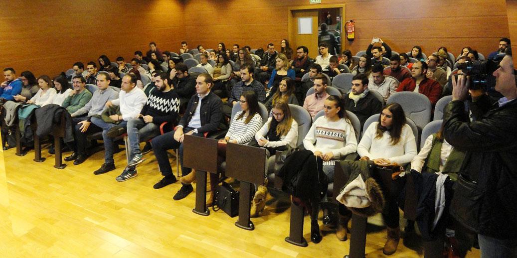 """Juventudes Socialistas trabaja en una batería de propuestas que sean """"la hoja de ruta"""" en políticas de juventud"""