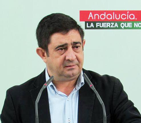 """Reyes ve """"obsceno"""" que el PP """"vuelva al lugar del crimen"""" para sacar pecho: le ha recortado 272 millones de la PAC a la provincia y 9 millones a Villacarrillo"""