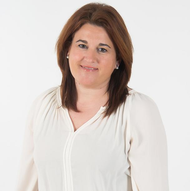 La alcaldesa de Segura de la Sierra recuerda que la instalación de césped artificial en el campo de fútbol de Cortijos Nuevos es un compromiso electoral del PSOE