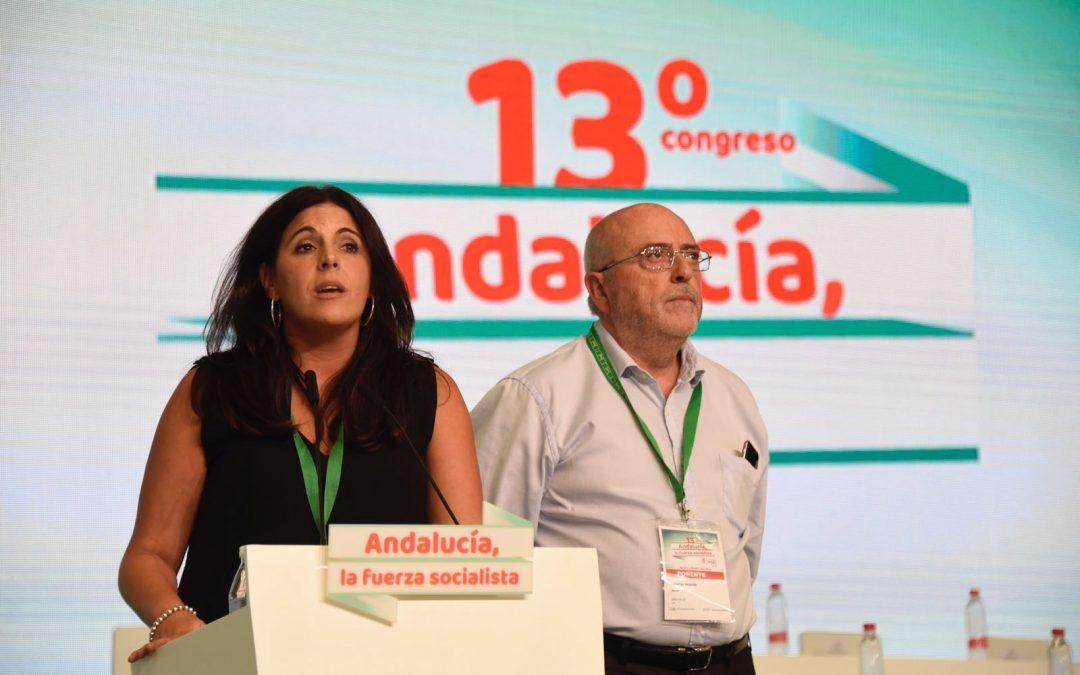 Comisiones de trabajo en el Congreso del PSOE-A: Ángeles Férriz, ponente, y Julio Millán, secretario de Mesa