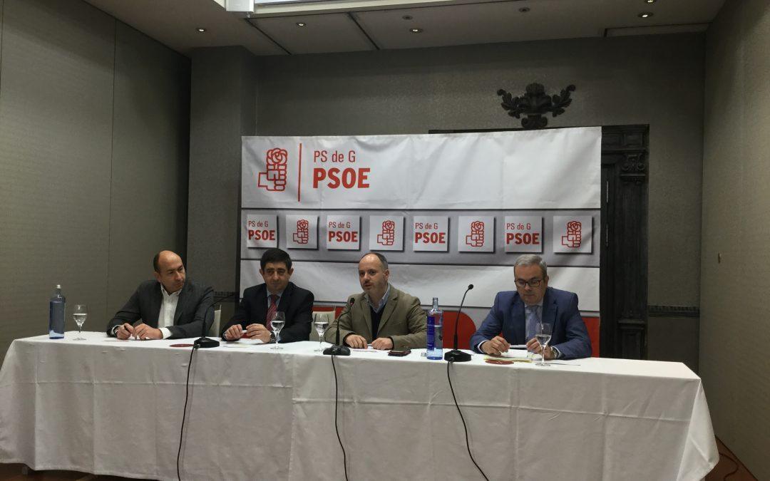 Reyes exige al Gobierno que permita a los ayuntamientos utilizar el superávit, que amplíe la tasa de reposición y que luche contra la despoblación