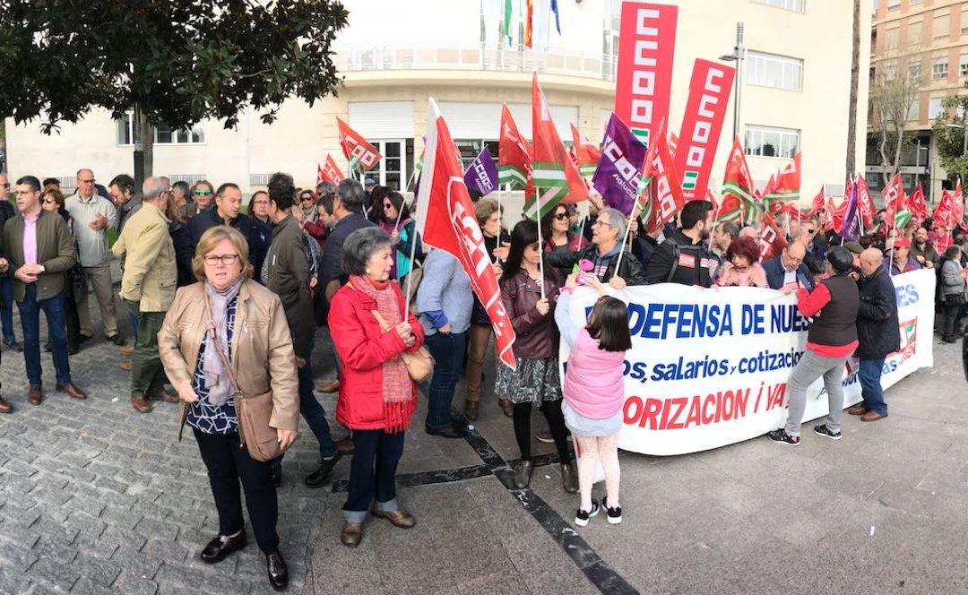 """El PSOE se une """"al grito de 'Basta ya' de los pensionistas"""" y advierte de que """"el futuro de las pensiones para los jóvenes de hoy también está en peligro"""""""