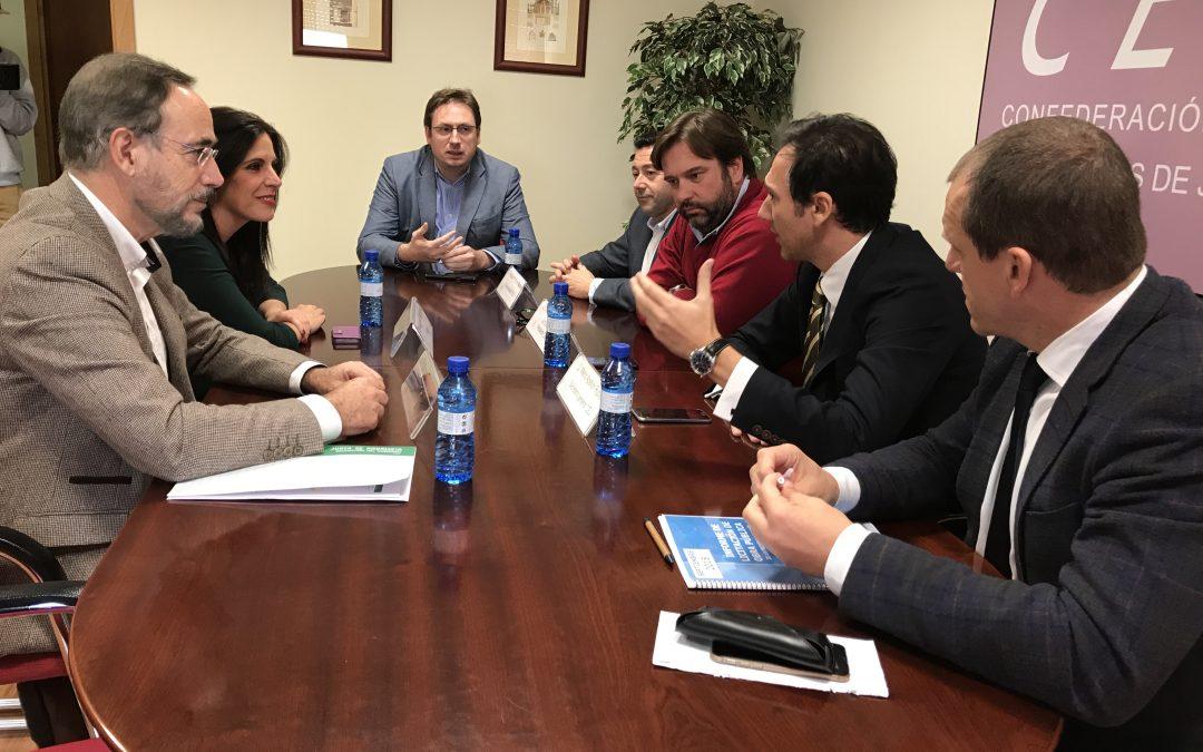Candidatos socialistas mantienen una reunión con la CEJ