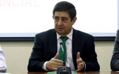"""Reyes lamenta que hoy Andalucía tiene un presidente """"aupado por la ultraderecha"""""""