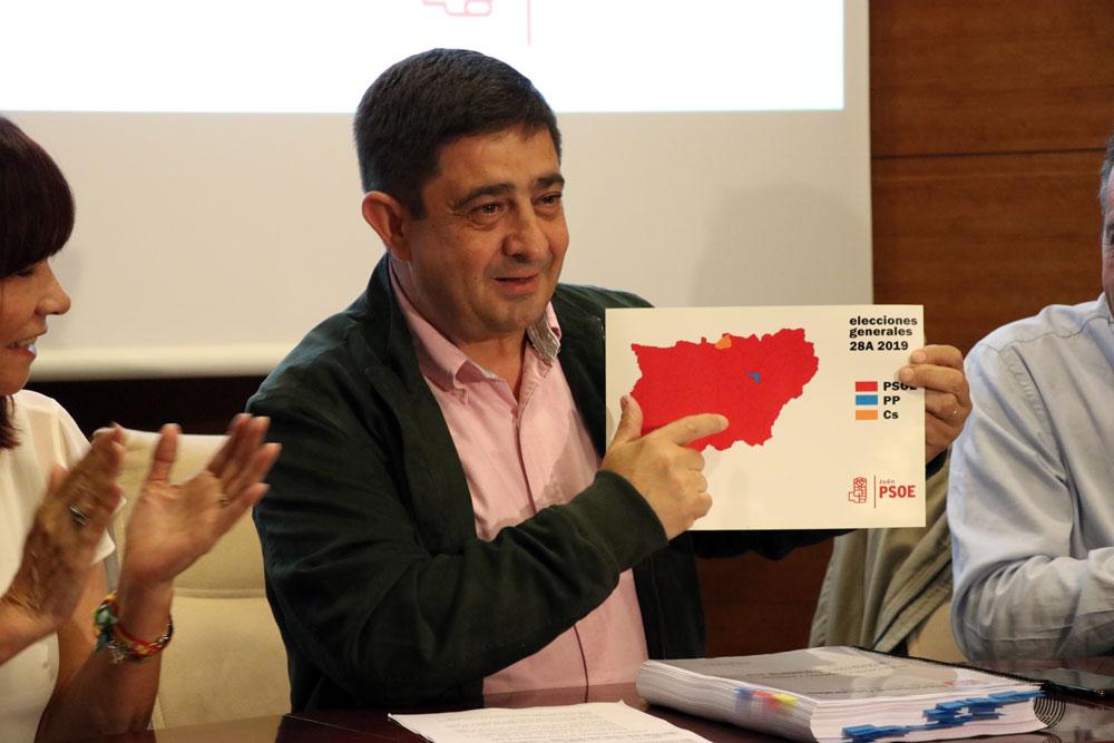"""Reyes: """"Los resultados de las generales nos ponen en una buena posición para abordar las elecciones del 26 de mayo"""""""