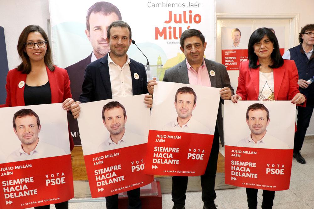 Reyes ve alcalde a Julio Millán y advierte que «un cambio de gobierno en el Ayuntamiento lo necesitan la capital y la provincia»