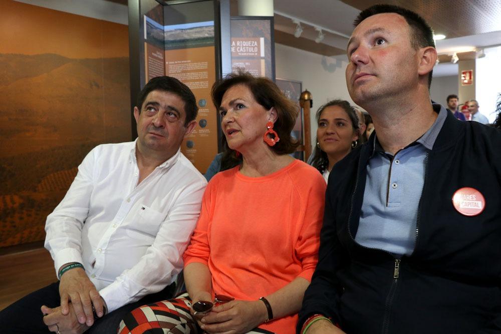 """Carmen Calvo: """"Las siglas del PSOE son un magnífico refugio para sostener políticas de madurez y equilibrio, pero también de avance, que es lo que yo quiero para Linares»"""