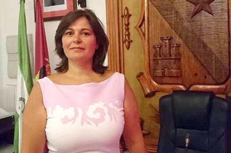 """La alcaldesa de Jódar ve """"inadmisible"""" el recorte de la Junta de un 36% en empleo"""