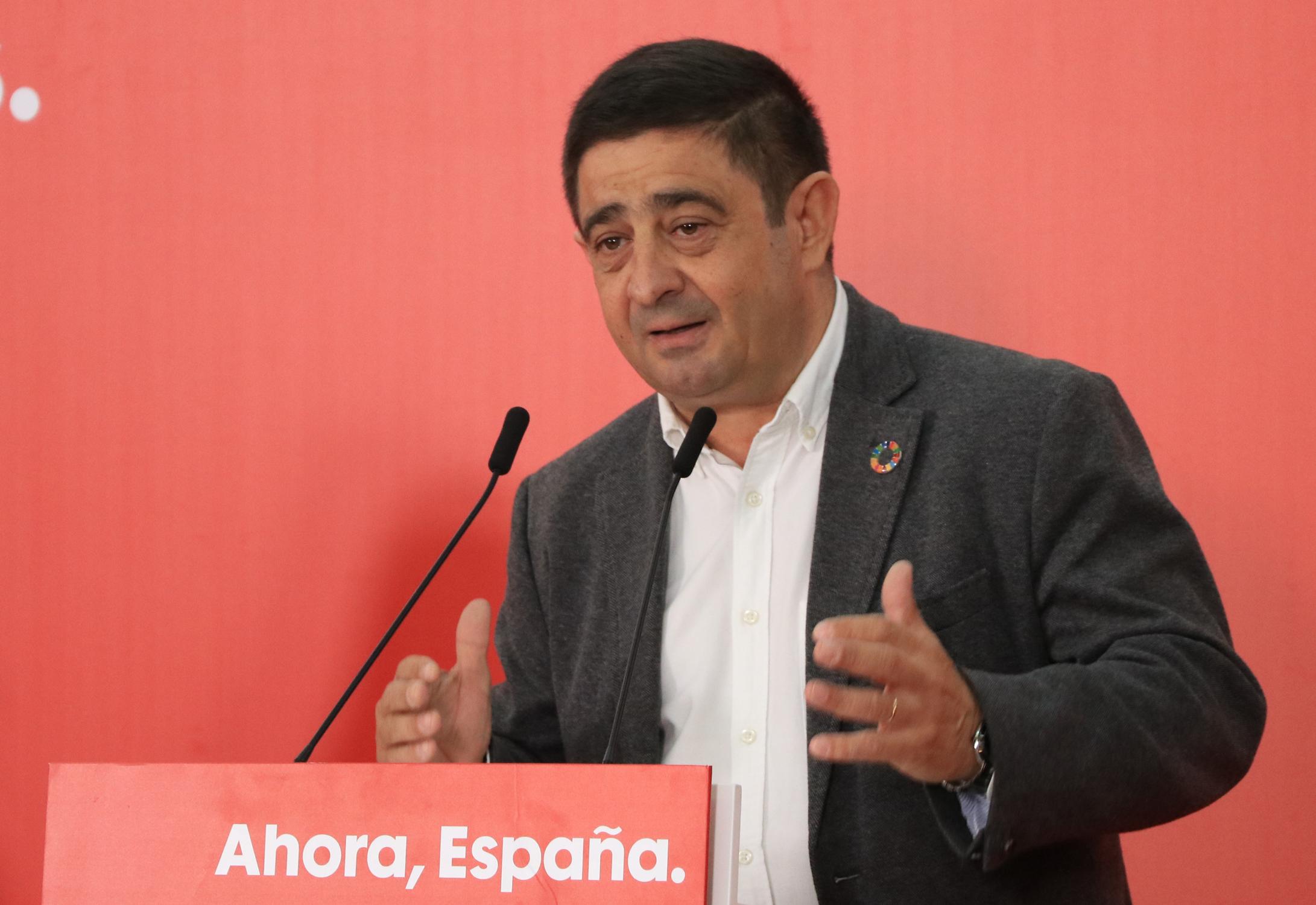 """Reyes valora el papel de la Constitución para """"la consolidación de la democracia y la modernización de nuestros pueblos"""""""