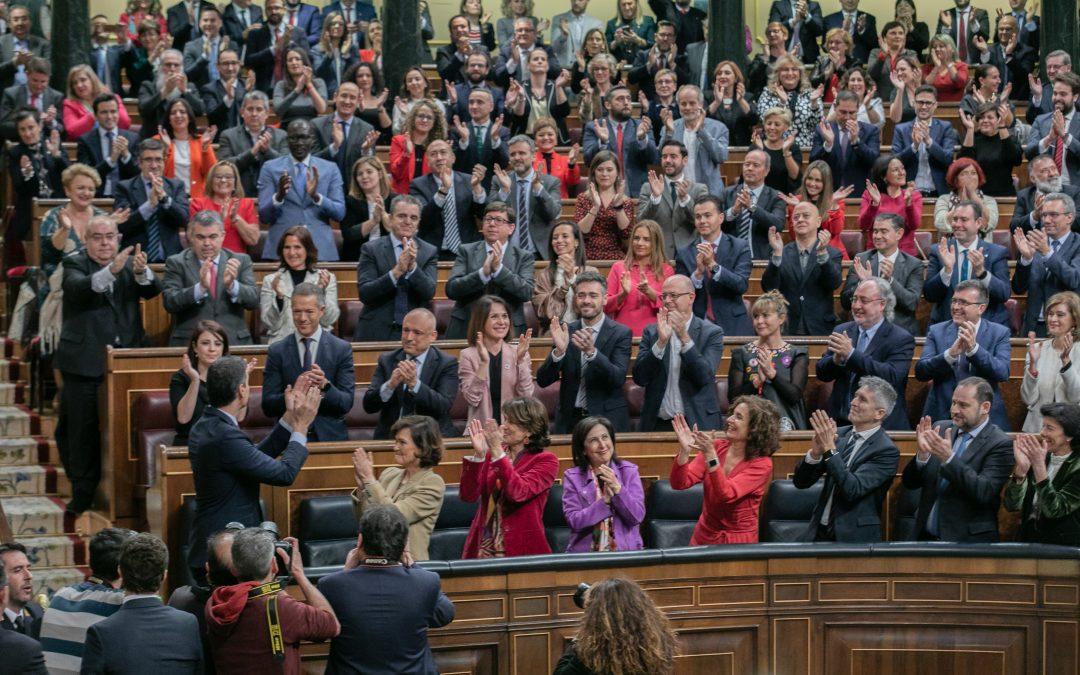 EL GOBIERNO ARRANCA CON FUERZA