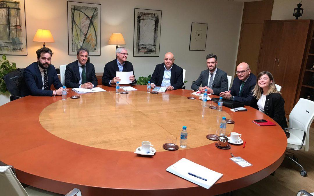 Reunión con Renfe para impulsar mejoras en los servicios ferroviarios de la provincia