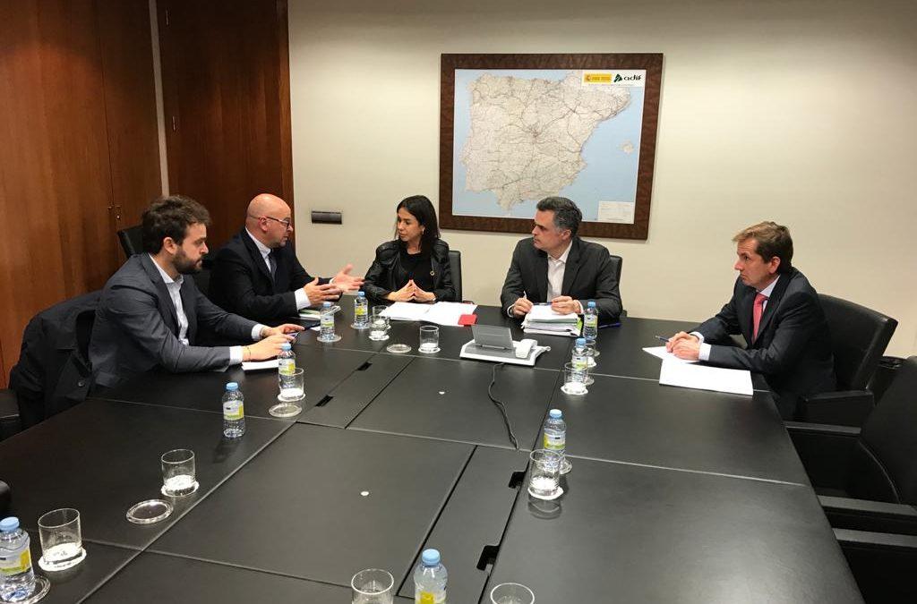 El Grupo Parlamentario plantea a ADIF propuestas para reducir los tiempos de viaje a Madrid y Sevilla