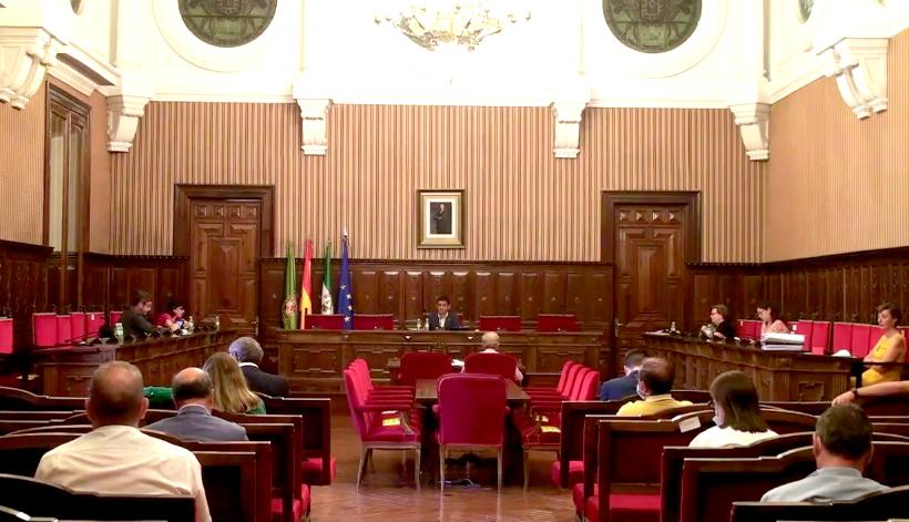 El PSOE exige a la Junta un plan especial con 168 millones para los 97 ayuntamientos de la provincia