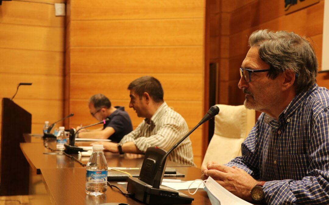 """Reyes muestra su """"preocupación"""" por el recorte de la Junta a los planes de empleo en Jaén"""