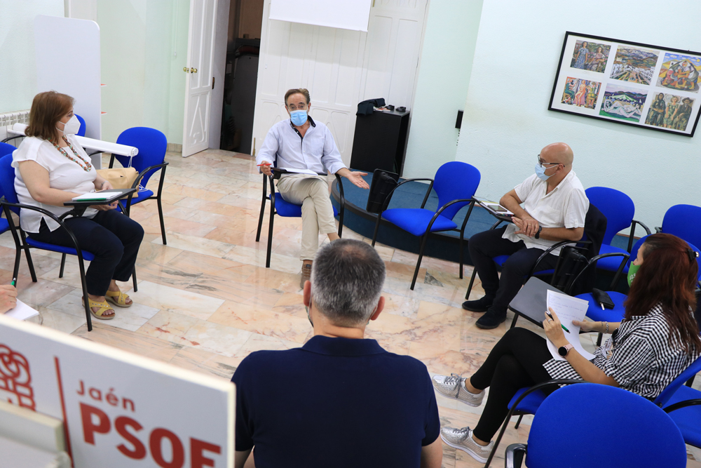 """El PSOE denuncia que la merma de Salud Responde obedece a la estrategia de la Junta de """"deteriorar la sanidad pública y hacer negocio con ella"""""""