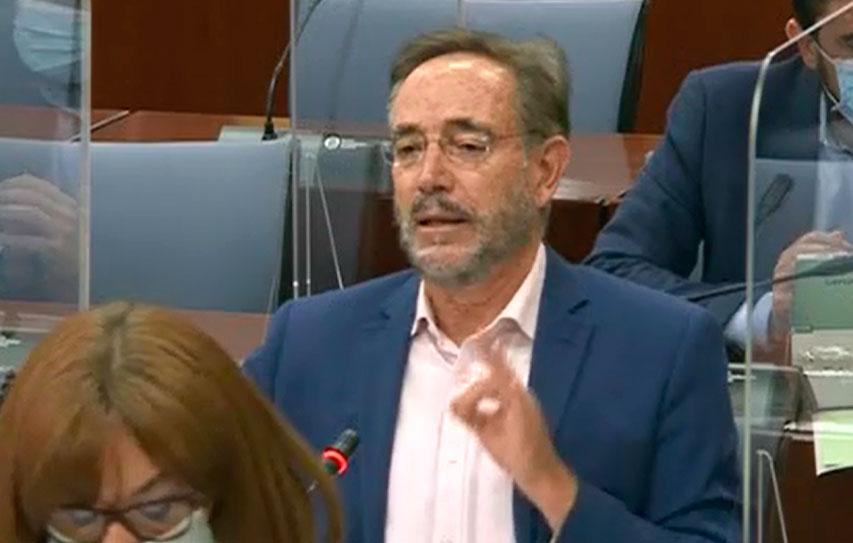 """El PSOE ve """"irracional"""" que la Junta recorte a la mitad la atención a los temporeros y le apremia a realizar los test """"antes de que termine la campaña"""""""