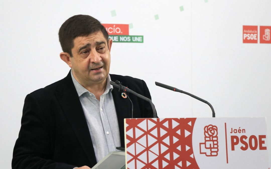 """Reyes valora los cambios en el Gobierno: """"Más rejuvenecimiento, más mujeres y más municipalismo"""""""