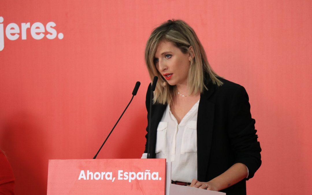 """El PSOE lamenta el """"ninguneo"""" de la Junta al Consejo de Salud: lo reúne por primera vez en dos años y esquiva las preguntas"""
