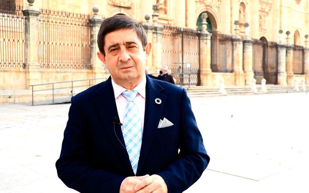"""Reyes valora la autonomía como """"palanca de desarrollo"""" en un contexto de identidad andaluza, respeto y convivencia"""