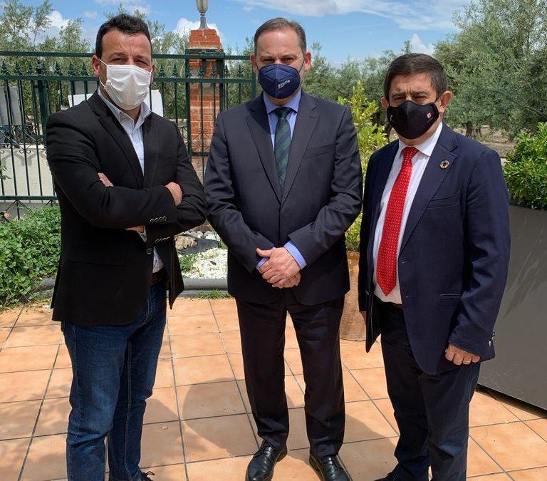 Javier Perales valora la apuesta del Gobierno por Linares con la instalación del Centro de Renfe
