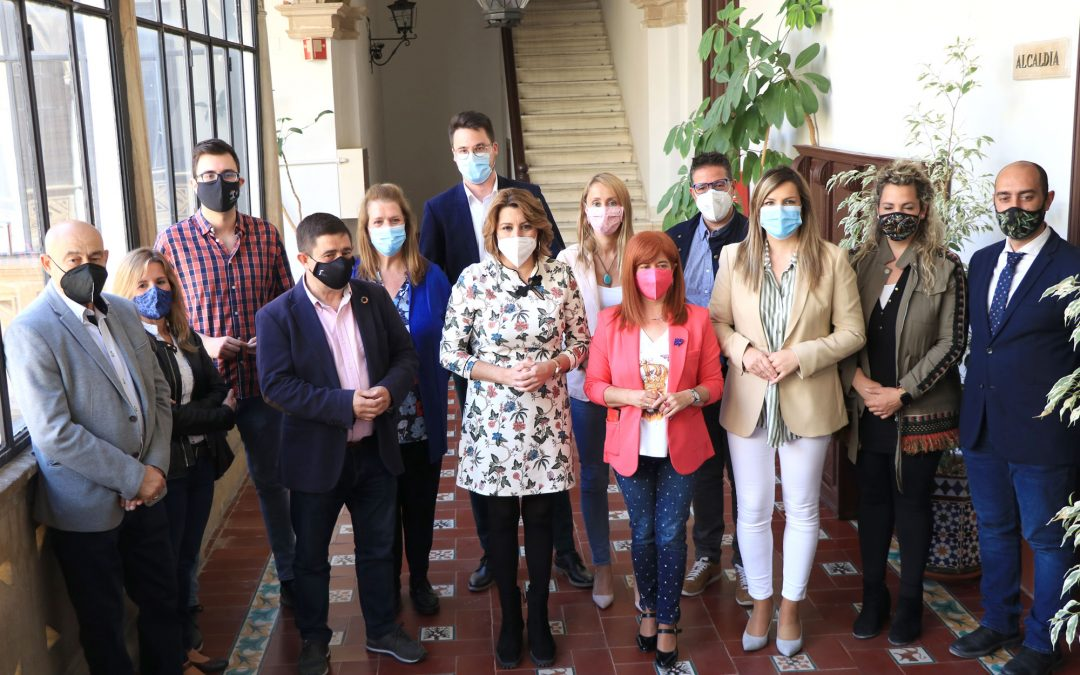 Díaz pide a la Junta más sensibilidad con la vacunación y que abra los centros de salud