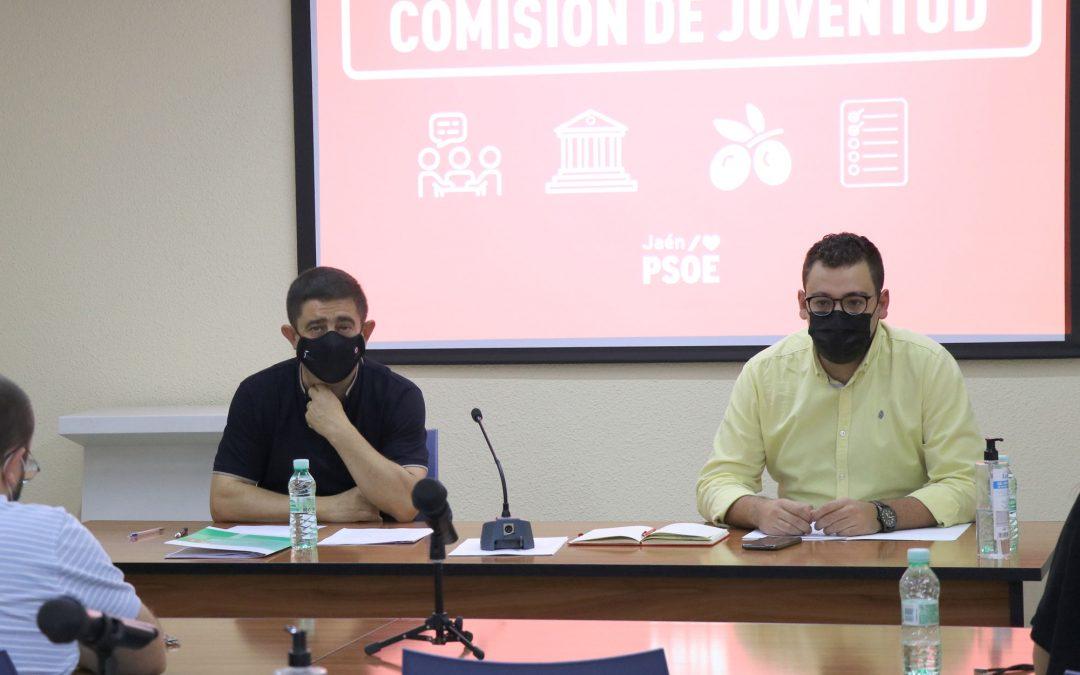 Reyes lamenta que la Junta deje a una docena de municipios de la provincia sin transporte escolar y alerta sobre la incertidumbre en torno a Secundaria